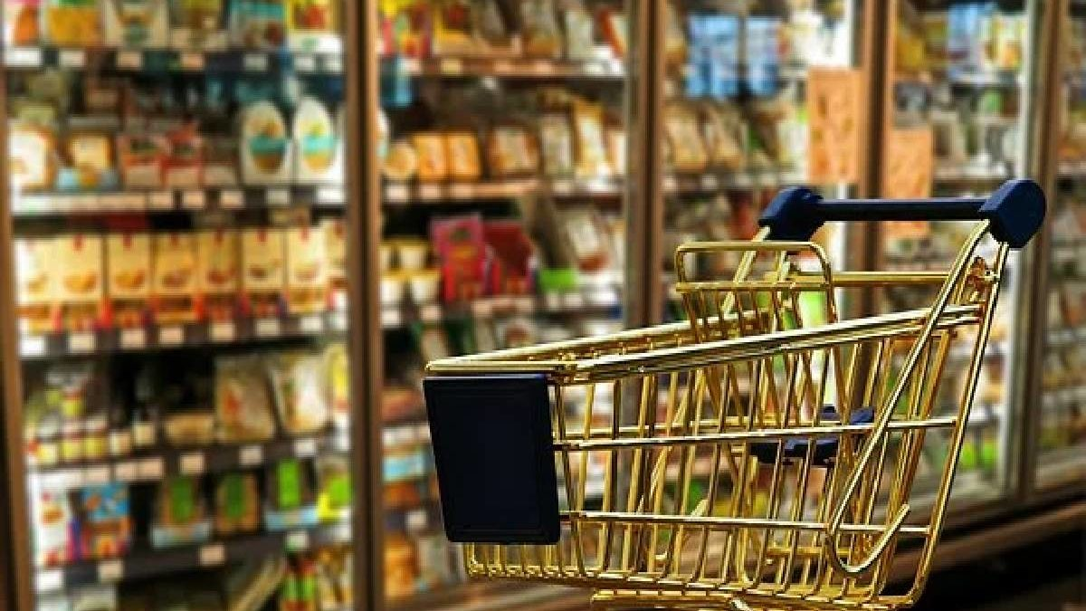 How Do Technologies Influence The Consumer Shopping Experience?