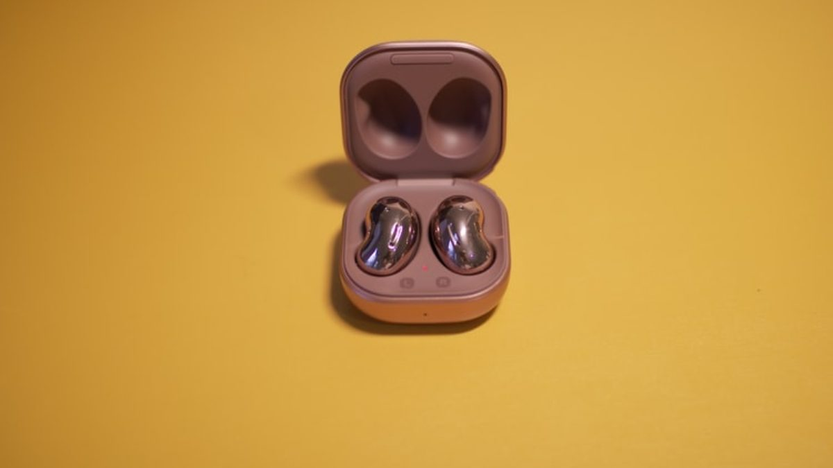 Buyer's Guide: Essential Features You Need To Know About The Galaxy Buds